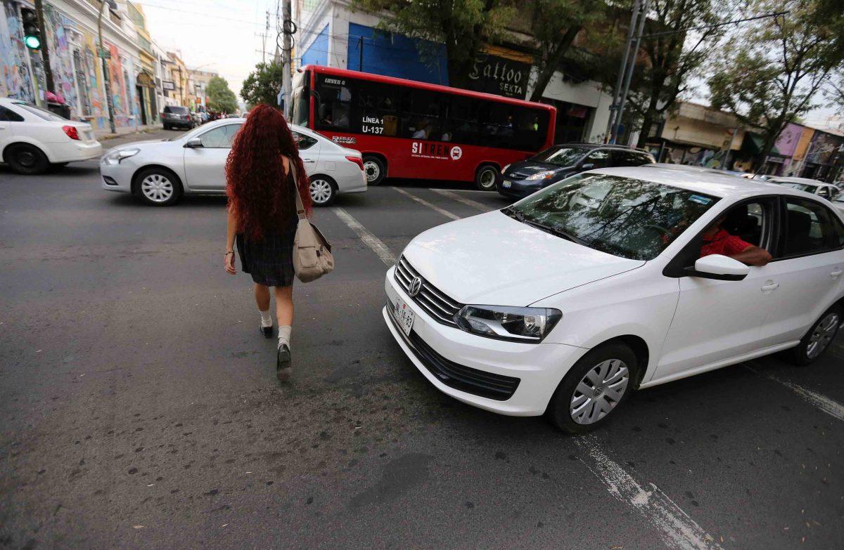 Peatones en la vía pública
