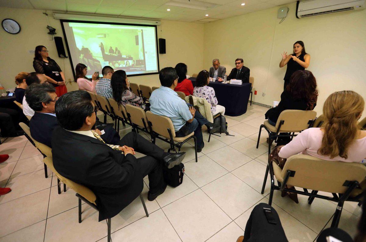 Charlan sobre la evolución histórica de la UdeG