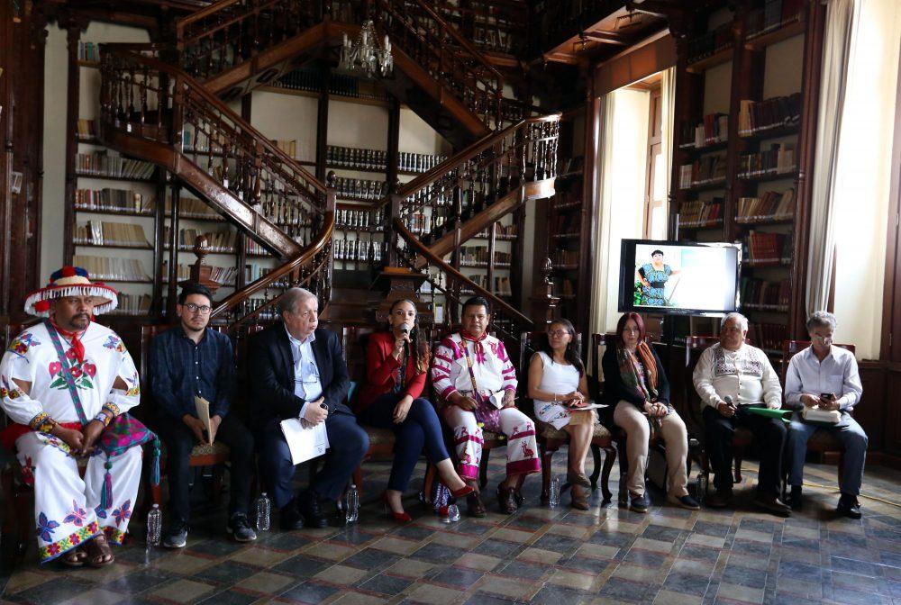 Escritora maya gana Premio de Literaturas Indígenas de América 2019