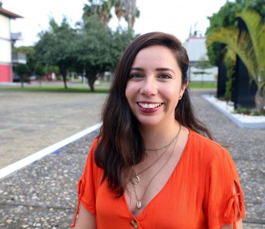 Arely Ruiz, egresada de Periodismo del CUSur