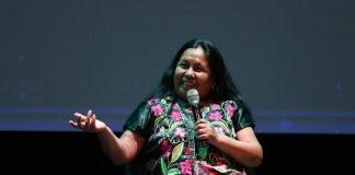 """""""La vocera"""", de Luciana Kaplan, protagoniza Marichuy Patricio"""