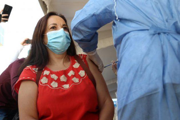 Vacunación de personal de la UdeG